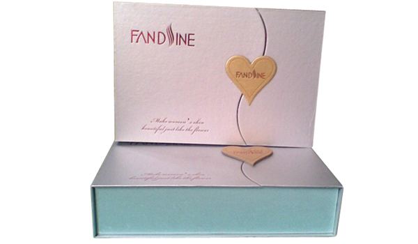 Custom Foldable Box with Heart